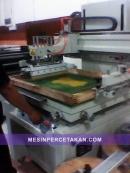 Mesin Sablon Baju-Kaos-Sticker-Kertas
